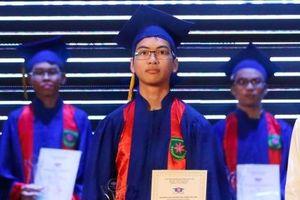 Chàng trai HCV Olympic Hóa học quốc tế được trao giải thưởng Hoa Trạng Nguyên 2019