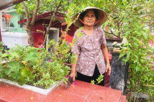 Nhìn cảnh rùng mình giữa nghĩa trang Sài Gòn, cụ bà 80 tuổi hành động lạ
