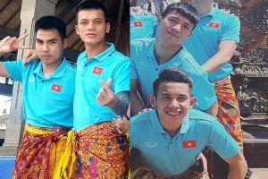 Tuyển Việt Nam náo loạn mạng xã hội với loạt ảnh 'mặc váy' tham quan Indonesia