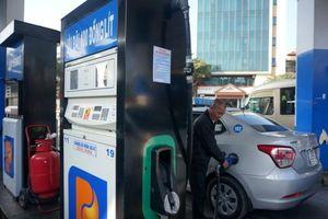 Giá xăng dầu giảm từ 15h chiều nay