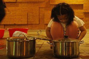 Muôn kiểu tích trữ nước của người dân Hà Nội