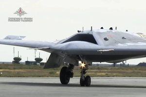 Hé lộ thử nghiệm vũ khí máy bay không người lái cực nguy hiểm của Nga