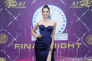 Hoa hậu Tiểu Vy rạng rỡ làm giám khảo cuộc thi Hoa hậu Doanh Nhân Sắc đẹp thế giới 2019