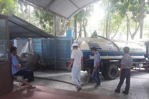 Các trường học dùng nước đóng chai phục vụ hoạt động bán trú sau vụ nước sinh hoạt nhiễm dầu