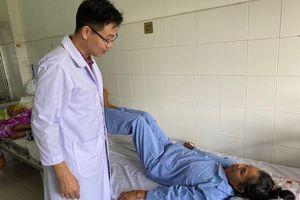 Cần Thơ: Phẫu thuật thay thân đốt sống thành công cho bệnh nhân bị ung thư di căn