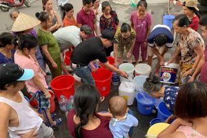 Xét nghiệm nước miễn phí tại địa điểm chịu ô nhiễm nước sông Đà