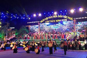 Khai mạc Ngày hội Văn hóa dân tộc Thái lần thứ hai tại Điện Biên