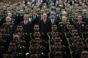 Thổ Nhĩ Kỳ giữa cơn bão trừng phạt