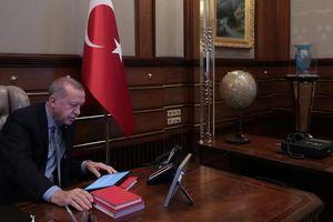 BBC: Tổng thống Thổ Nhĩ Kỳ bỏ thư của ông Trump vào sọt rác