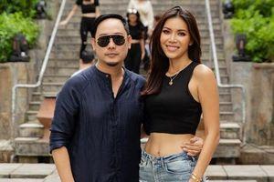 Minh Tú 'toát mồ hôi' với sàn catwalk đầy thử thách trong show Võ Việt Chung