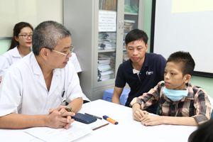 500 y bác sĩ chạy đua 'tử thần' ghép phổi cứu chàng trai 17 tuổi