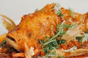 Clip: Cách làm cá diêu hồng sốt xí muội chuẩn cơm mẹ nấu