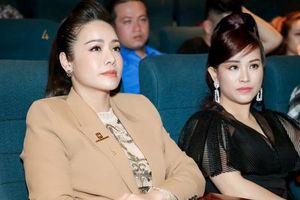'Tiếng sét trong mưa': Đừng chê Thị Bình già nua sau 24 năm nữa, Nhật Kim Anh sành điệu bên Kiều Linh thế này