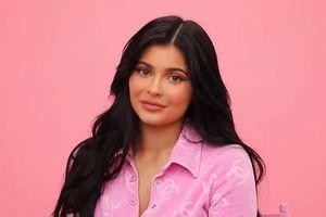 Sau khi làm mẹ, Kylie Jenner bật mí cách make up chỉ trong 10 phút