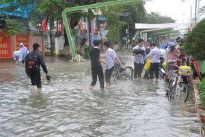 Dự báo thời tiết 19/10: Quảng Ngãi đến Khánh Hòa mưa to, khả năng lốc, sét