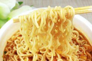 Mì ăn liền gây khủng hoảng sức khỏe cho trẻ em Đông Nam Á