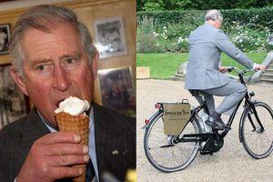 Hình ảnh đời thường dùng máy hút bụi, ăn kem ốc quế của hoàng tử Charles gây sốt