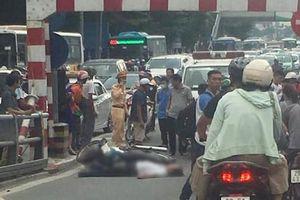 Điều tra vụ người đàn ông đi xe máy tử vong ở cầu vượt Thái Hà