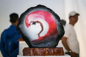 102 bức ảnh nude trên đá tại triển lãm của Thái Phiên