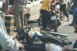 Người đàn ông đi xe máy bất ngờ tông vào trụ bêtông cầu vượt Thái Hà tử vong