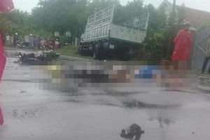 Phú Yên: Xe máy chở 3 'đối đầu' ô tô trên quốc lộ, 2 người tử vong tại chỗ