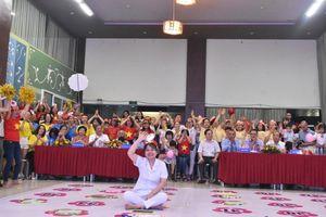 Những nữ điều dưỡng rạng rỡ trong cuộc thi Rung chuông vàng