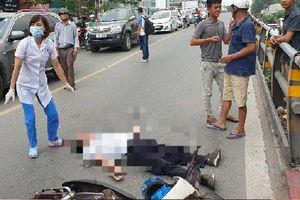 Hà Nội: Tông vào trụ bê tông cầu vượt Thái Hà, 1 người tử vong