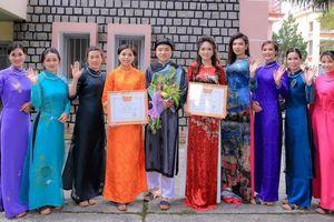 Áo dài Đỗ Nguyễn khoe sắc tại Hội thi duyên dáng áo dài thành phố Hoa 2019