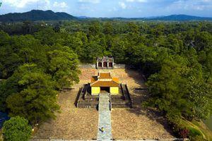 Chiều thu ghé thăm lăng Vua Minh Mạng