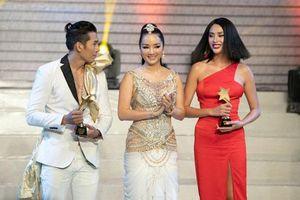 Võ Hoàng Yến, Nam Trung 'ẵm giải' tại Haper's Bazzar Star Awards 2019