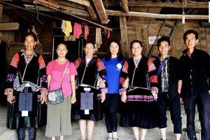 Những bạn trẻ người Mông yêu âm nhạc truyền thống