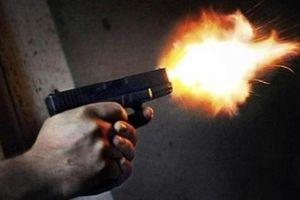 Điều tra vụ nổ súng, chém người giữa ban ngày nghi do mâu thuẫn nợ nần