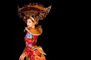 Ngắm bộ trang phục truyền thống lấy cảm hứng Hội An của Á hậu Kiều Loan mang đến Hoa hậu Hòa Bình