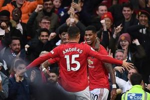 Manchester United khiến Liverpool đứt mạch toàn thắng ở Premier League