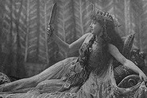 Hé lộ tình tiết mới, khó đỡ về nữ hoàng Cleopatra
