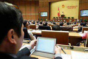 Khai mạc kì họp thứ 8 Quốc hội khóa XIV, ĐBQH chỉ mang iPad đi họp