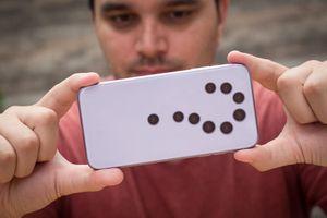 6 cụm camera điện thoại dị thường có thể xuất hiện trong tương lai gần