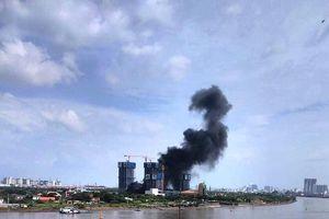 Cận cảnh hiện trường vụ cháy dự án Empire City sát hầm Thủ Thiêm