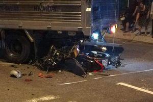 Quảng Nam: Xe máy tông đuôi xe tải, một thanh niên tử vong