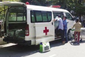 Nhóm bảo kê ép bệnh nhân đi xe dịch vụ
