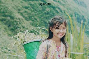 Cô bé bán hoa ven đường ở Hà Giang bất ngờ nổi trên mạng