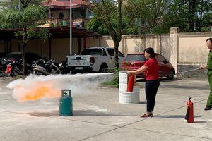 Hoàng Mai: Hàng trăm giáo viên tham gia tập huấn phòng cháy chữa cháy