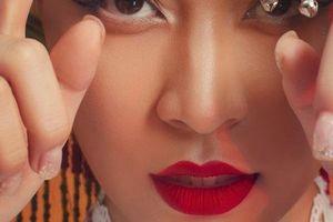 Hoàng Thùy Linh muốn phụ nữ bứt ra khỏi nước mắt và sự chịu đựng