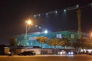 Sập giàn giáo công trình Trung tâm Văn hóa Xứ Đông, một số công nhân bị thương, mắc kẹt