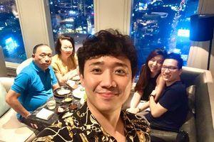 Hari Won không dự sinh nhật mẹ chồng, Trấn Thành nói gì?