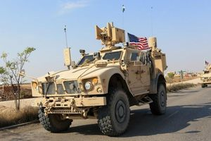 Hơn 100 xe bọc thép Mỹ tiến vào Iraq