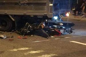 Không làm chủ được tốc độ, nam thanh niên tử vong dưới gầm xe tải