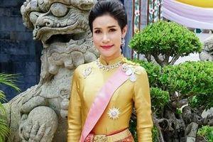 Hoàng quý phi Thái Lan bị phế truất vì muốn lật đổ Hoàng hậu?