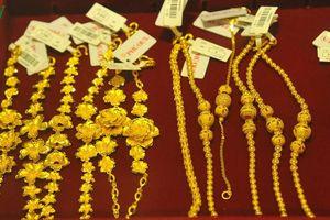 Giá vàng trong nước và thế giới cùng tăng nhẹ
