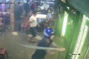 Nhóm côn đồ đập phá quán nhậu ở Đà Nẵng để đòi bảo kê?